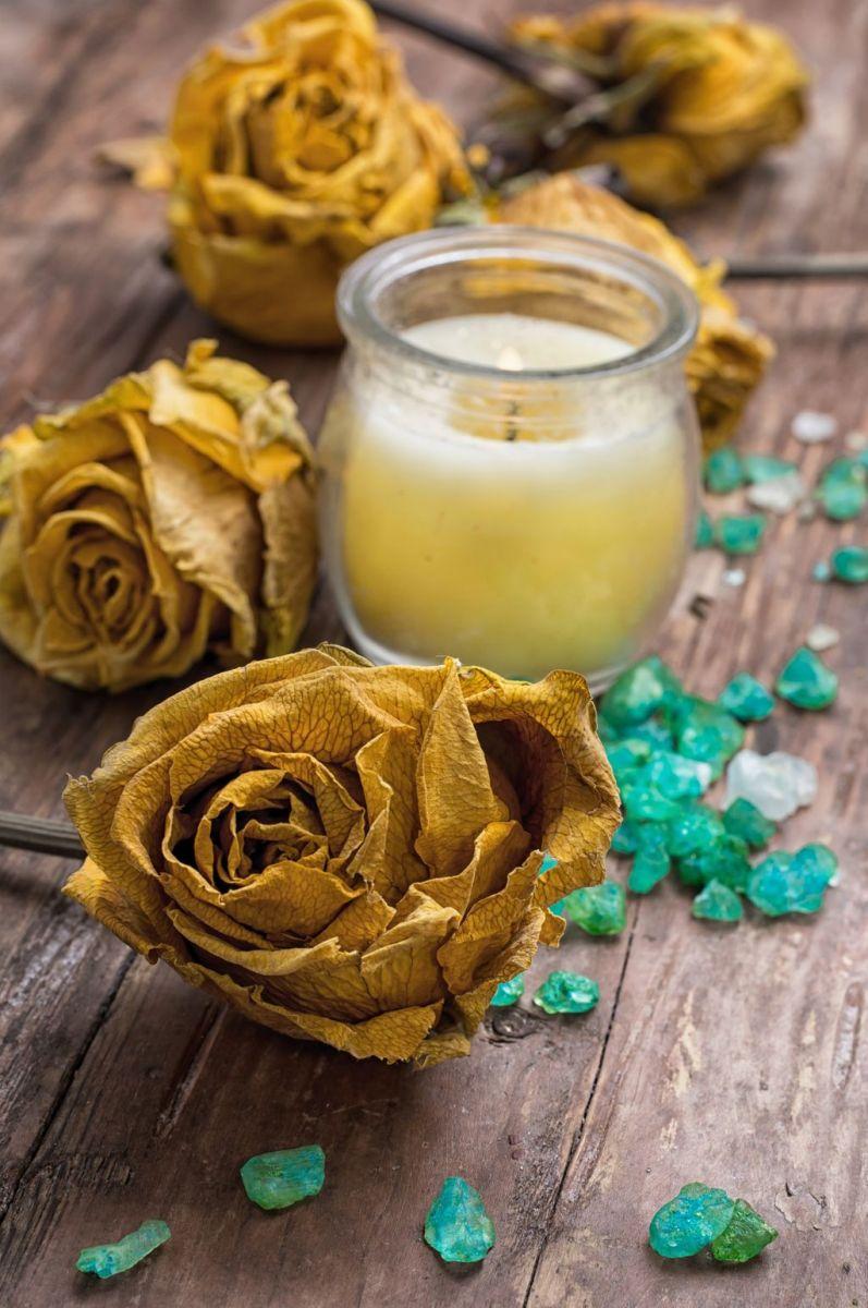 Золотое обертывание с красной икрой и ароматом французских духов