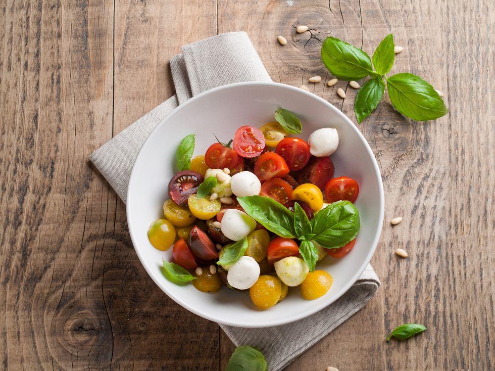 Три эффективные диеты, которые помогут похудеть после праздников