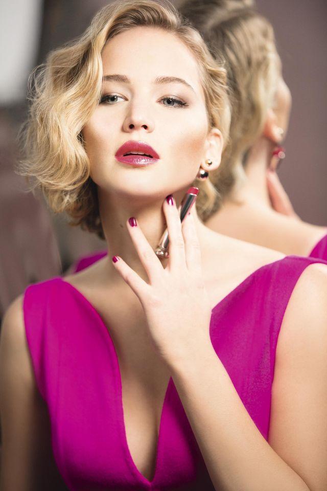 Блистай, не стесняйся! Дженнифер Лоуренс представляет сочные помады Dior Addict