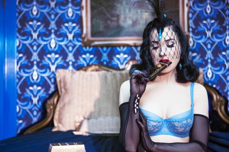 Она идеальная: Дита фон Тиз блистает в шикарной откровенной фотосессии