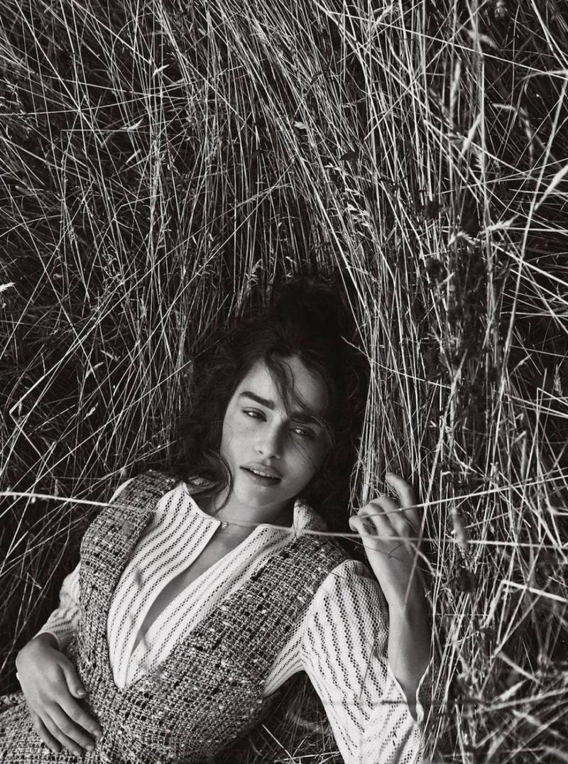 Естественная красота: Эмилия Кларк в кинематографичной фотосессии Dior Magazine