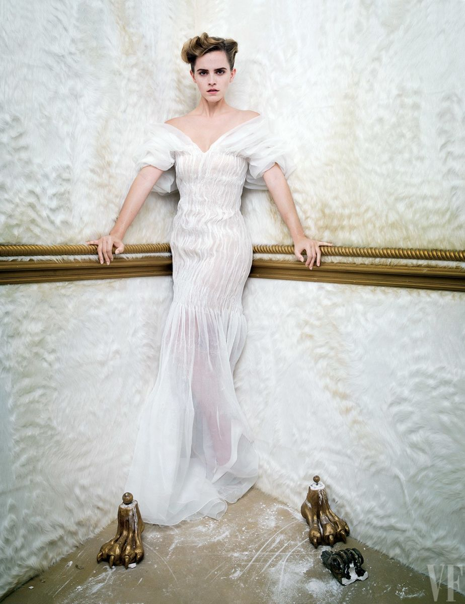 Такого мы еще не видели: Эмма Уотсон позирует в необычной фотосессии для Vanity Fair Эмма Уотсон, Красавица и Чудовище, Vanity Fair