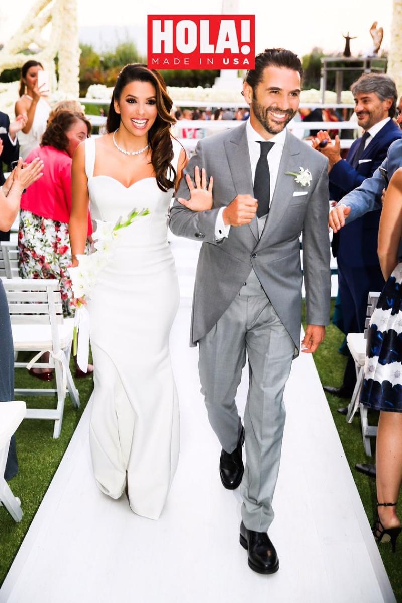 Можно поздравить: в каком платье Ева Лонгория в третий раз вышла замуж?