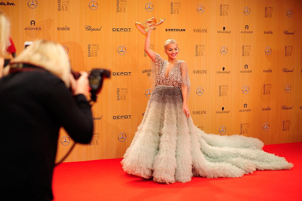 Образ дня: Рита Ора платье-хамелеоне от Marchesa на Bambi Awards