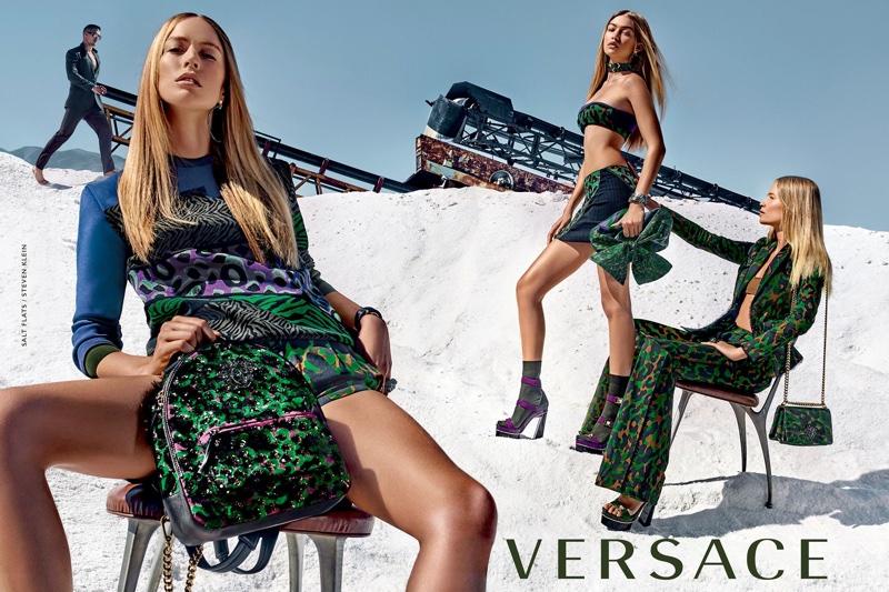 Это Versace, детка: Джиджи Хадид и Наташа Поли в летней кампании