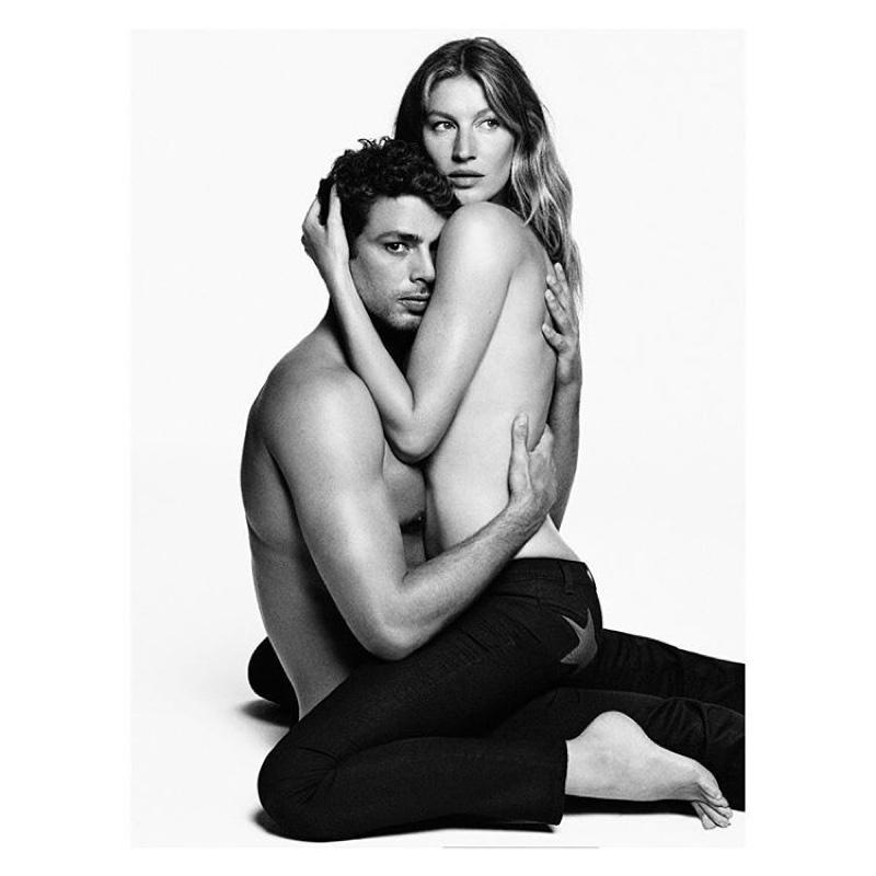 Жизель Бундхен снялась топлесс в рекламной кампании Givenchy фото
