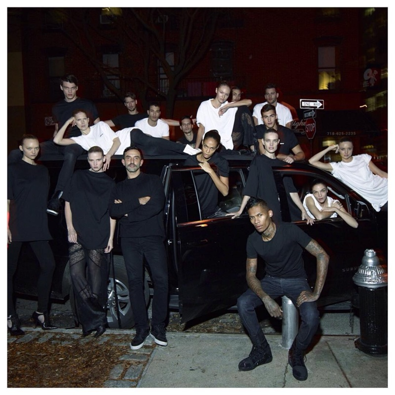 Ты увидишь это раньше всех: первые фото весенне-летней кампании от Givenchy