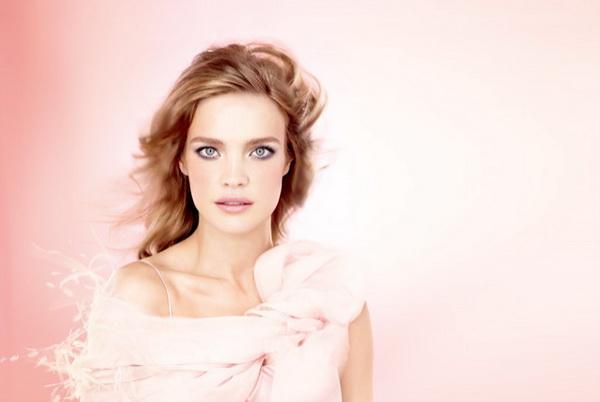 Наталья Водянова позволила взглянуть на тренды весеннего макияжа