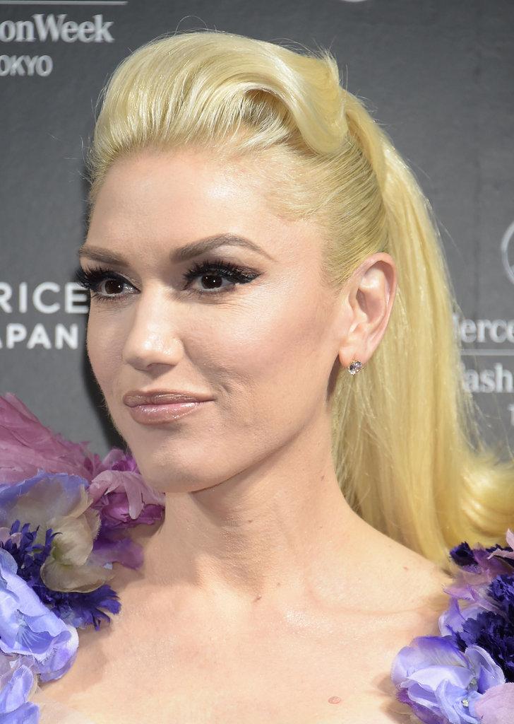 Кровь из глаз: Гвен Стефани ужаснула макияжем на Неделе моды в Токио