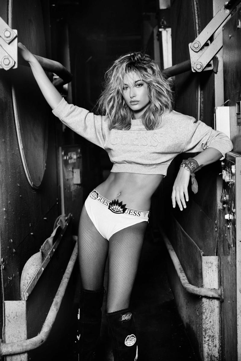 Хейли Болдуин снялась для новой рекламной кампании бренда Guess (ФОТО)