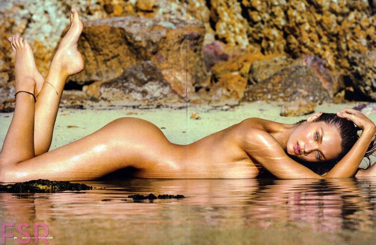 Сексуальная Кэндис Свейнпол снялась для мужского глянца