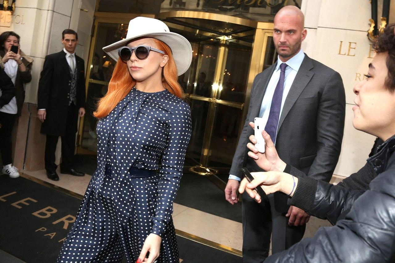 Рыжая бестия: Леди Гага удивила новым beauty-решением