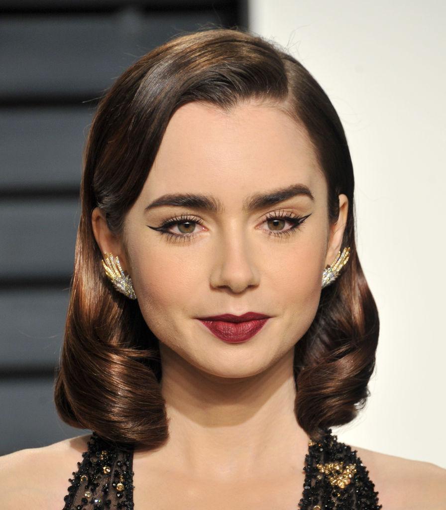 Бери пример: Как повторить макияж Лили Коллинз с красной дорожки вечеринки Vanity Fair Лили Коллинз