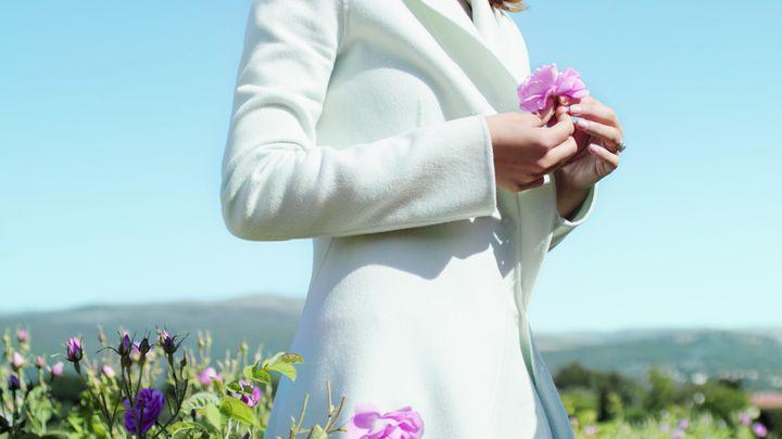 Натали Портман побывала в знаменитом саду Dior фото