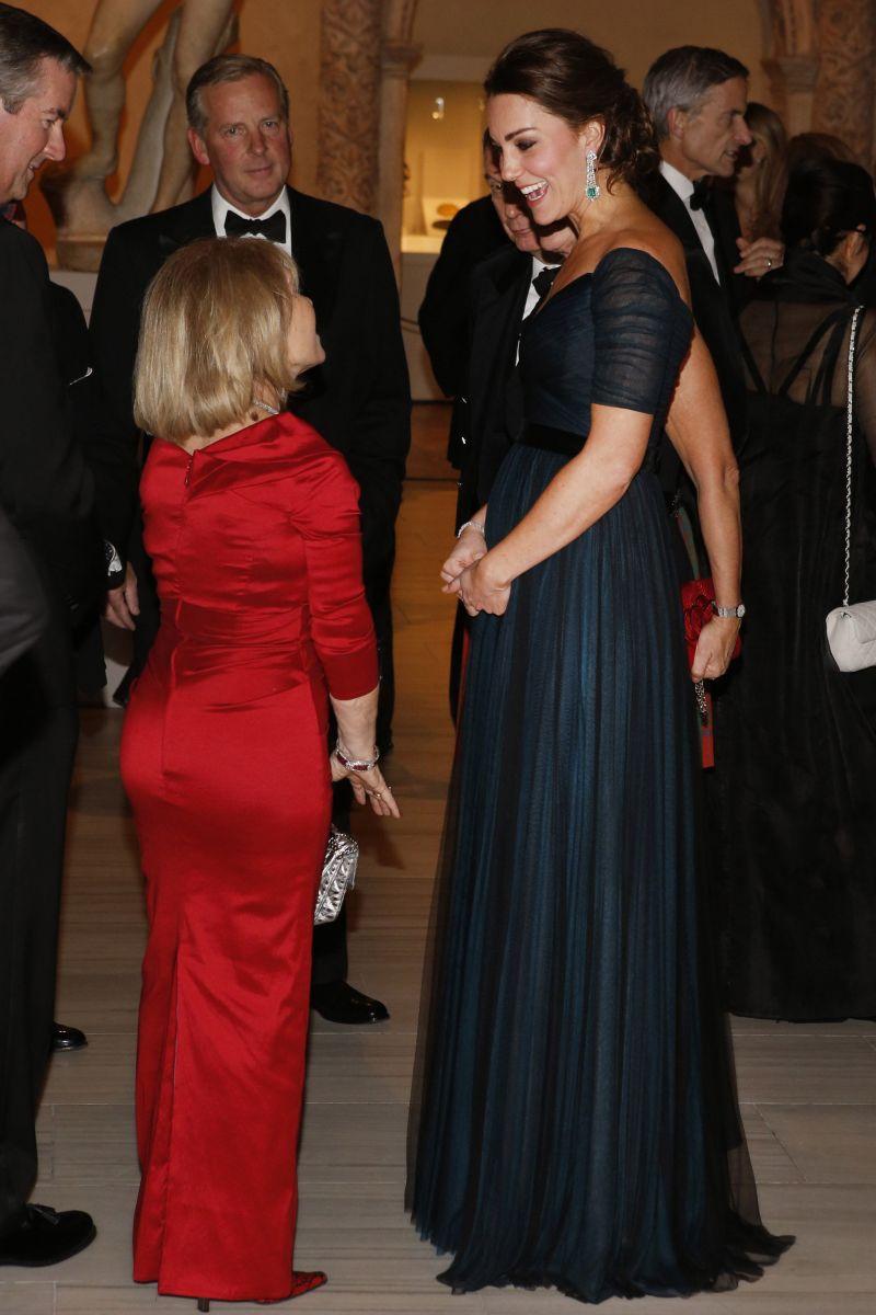 Герцогиня Кейт Миддлтон в третий раз вышла в свет в любимом платье