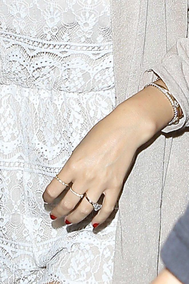 """Миранда Керр сказала """"да"""" и показала помолвочное кольцо фото"""