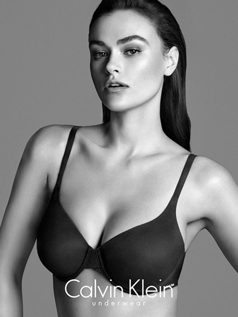 Calvin Klein Мила Далбезио скандал реклама фото