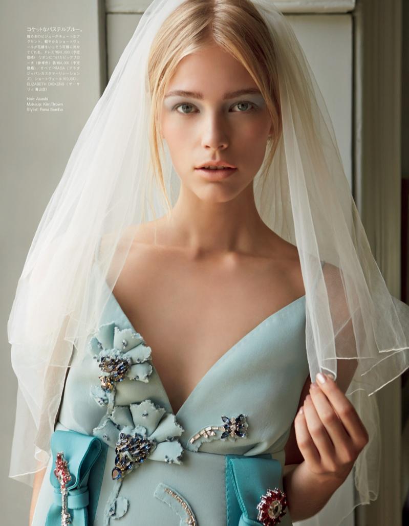 Невеста и пастель: Vogue Japan показали потрясающие цветные платья для невест