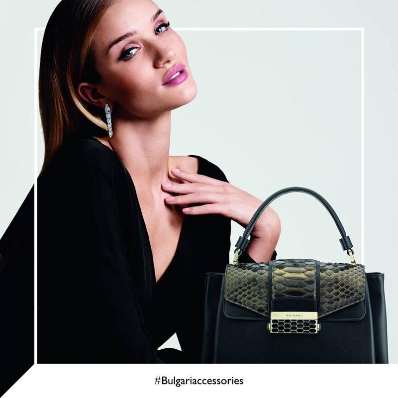 Рози Хантингтон-Уайтли рекламирует сумочки Bulgari
