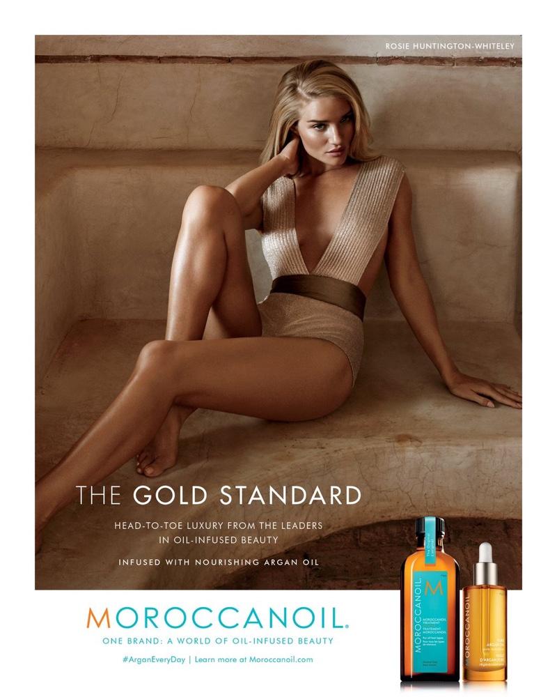 Златовласка: Роузи Хантингтон-Уайтли щегольнула роскошными локонами для фотосессии Moroccanoil