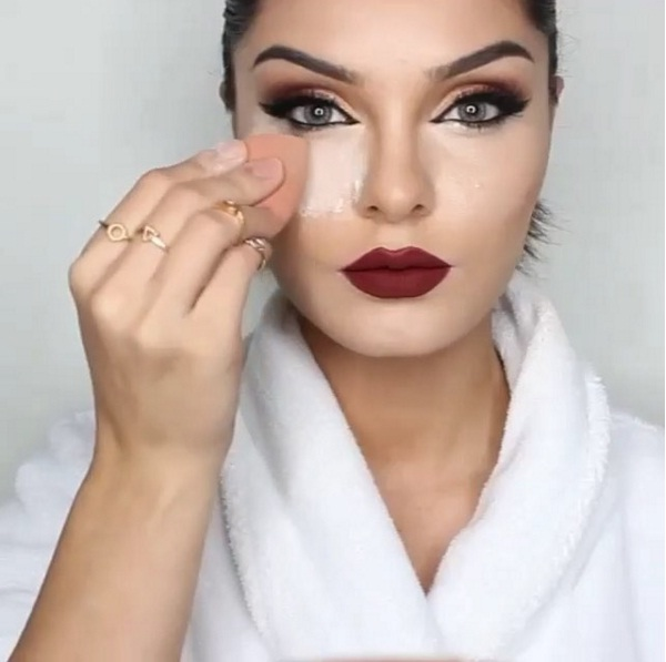 Sandbagging - новый тренд макияжа от визажиста Ким Кардашьян фото