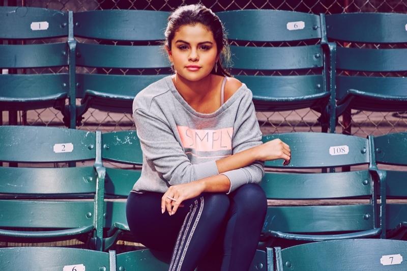Sporty chic: Селена Гомес учит спортивному стилю