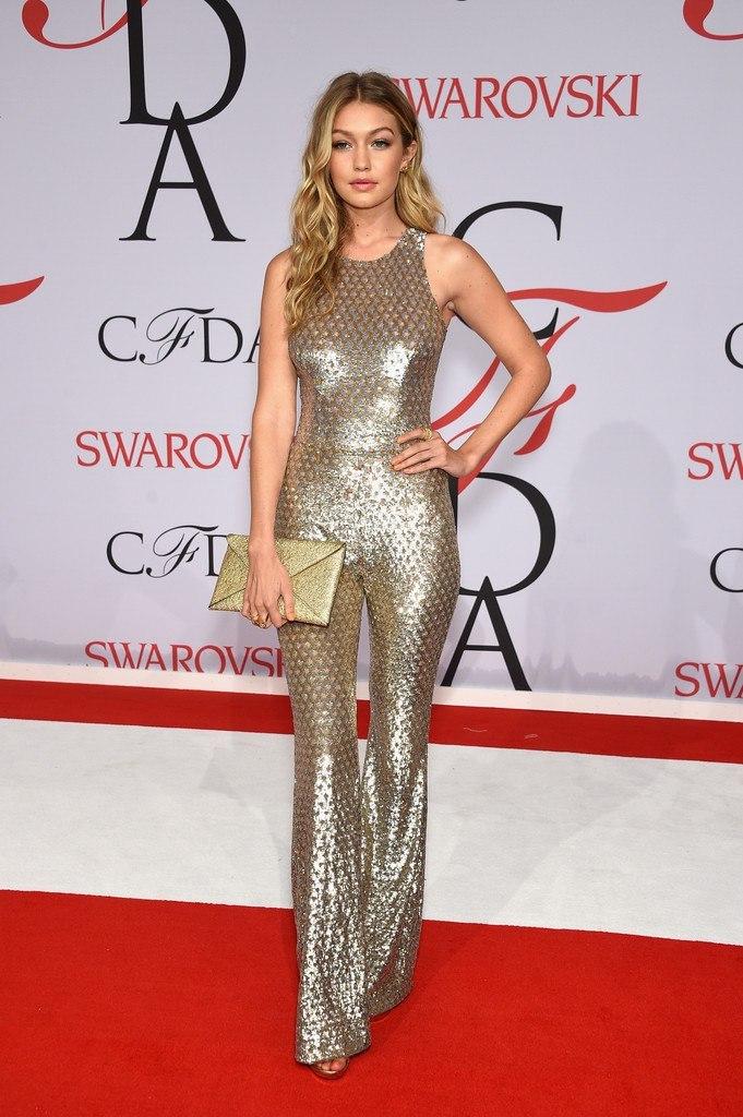 Золотая девочка, или сногсшибательный наряд Джиджи Хадид на ежегодном CFDA Fashion Awards