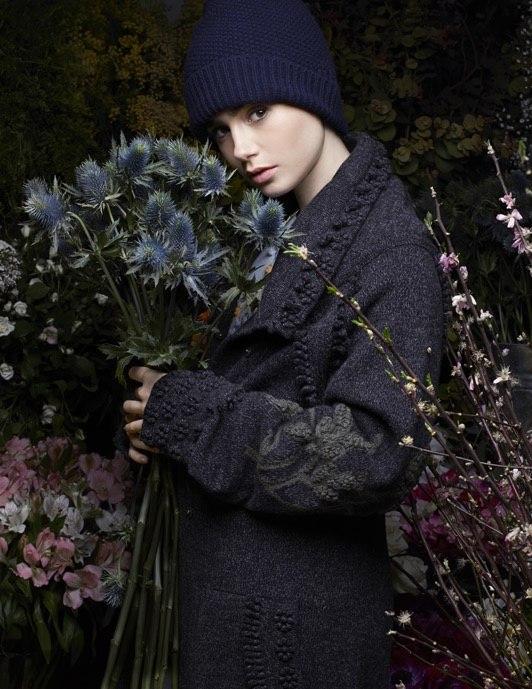 Еще одна от Chanel: Лили Коллинз блистает в объективе Карла Лагерфельда
