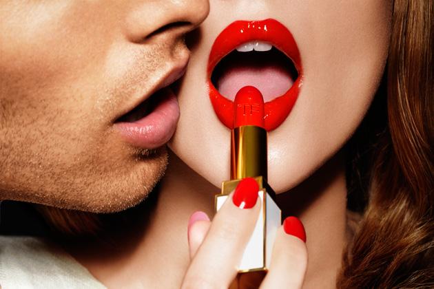 Незнакомая знакомка: 9 неизвестных фактов о помаде
