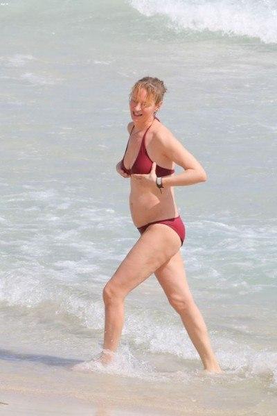Фотофакт: Ума Турман неприятно удивила фигурой в бикини