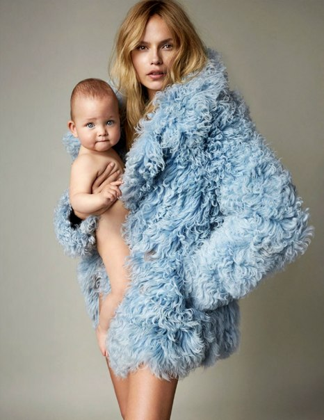 Вместе с мамой: Наташа Поли показала свою харизматичную дочь в новой фотосессии