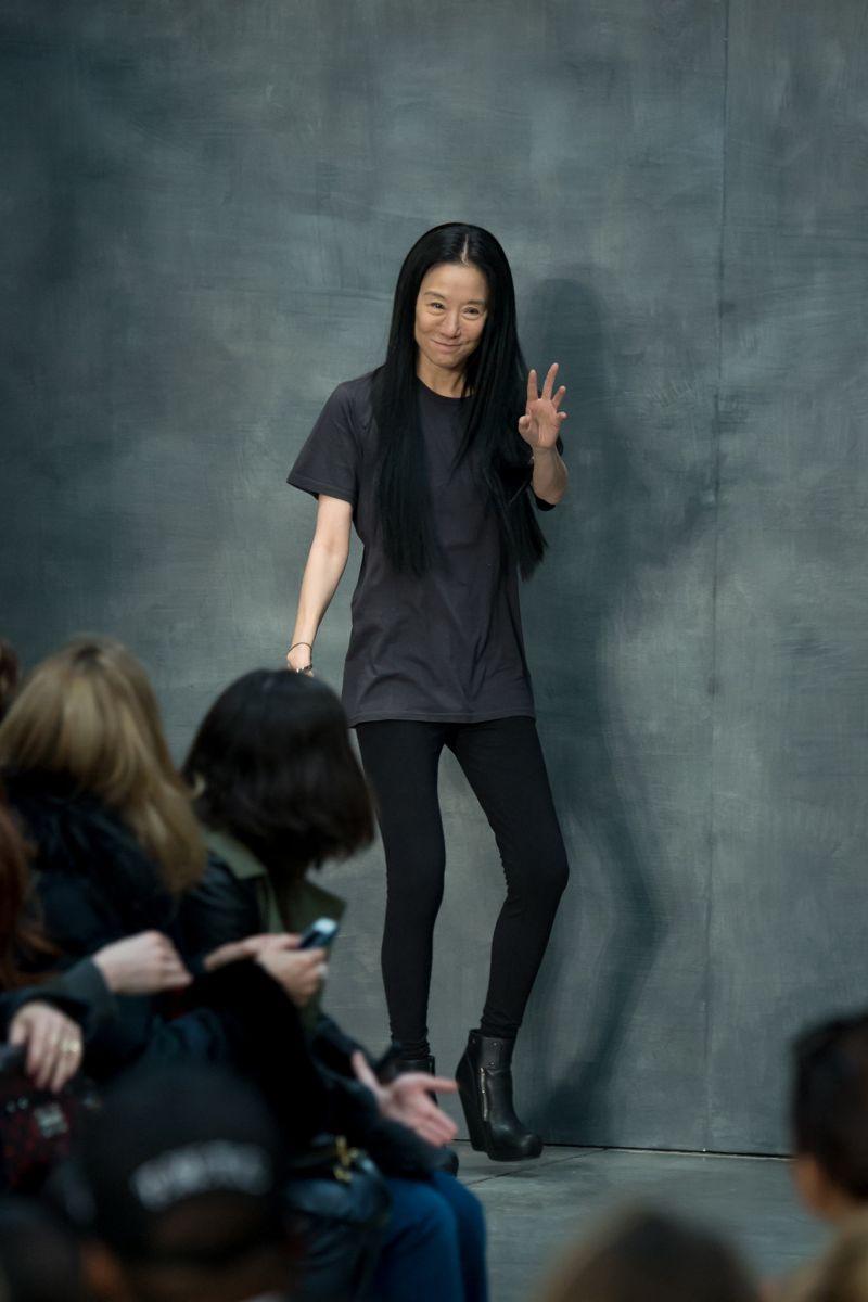Черным-черно: Вера Вонг сделала черный главным цветом коллекции