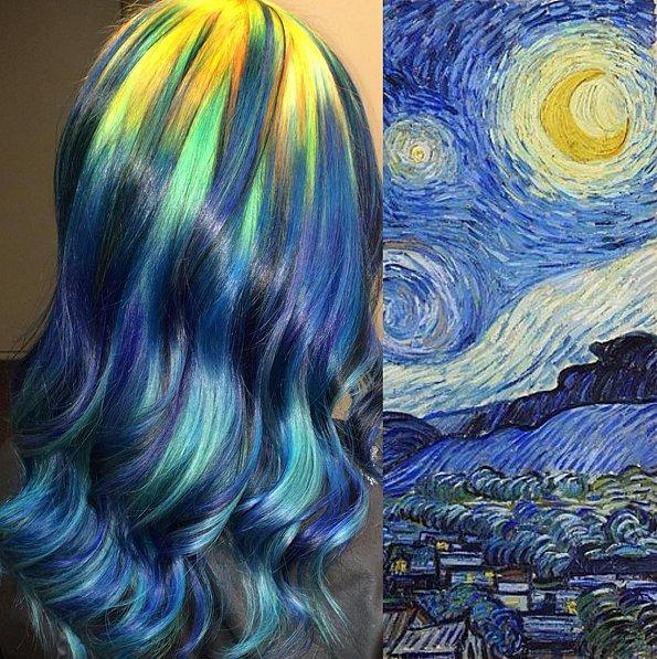 """Волосатое искусство: колорист окрасил волосы клиенток в цвета самых известных картин В последнее время все больше женщин окрашивают свои волосы в цвета радуги, черпая при этом вдохновение из самых неожиданных источников, например, из оттенков северного сияния или фильма """"Звездные войны"""". Но если история искусств нравится вам больше чем природа или фантастические фильмы, то вы однозначно оцените новую тенденцию в окрашивании волос."""