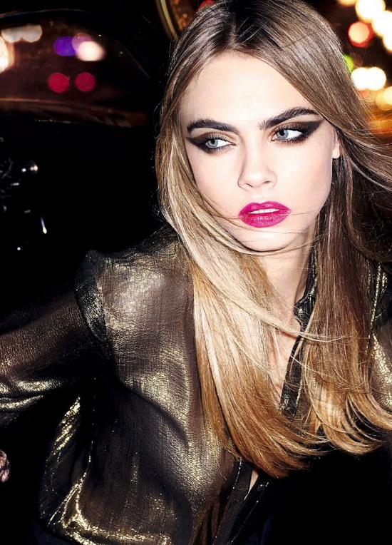 Кара Делевинь представляет роскошную коллекцию рождественского макияжа