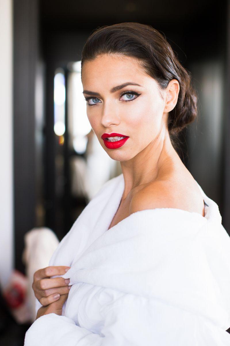 макияж Адрианы Лимы с красной дорожки Met Gala 2016 фото