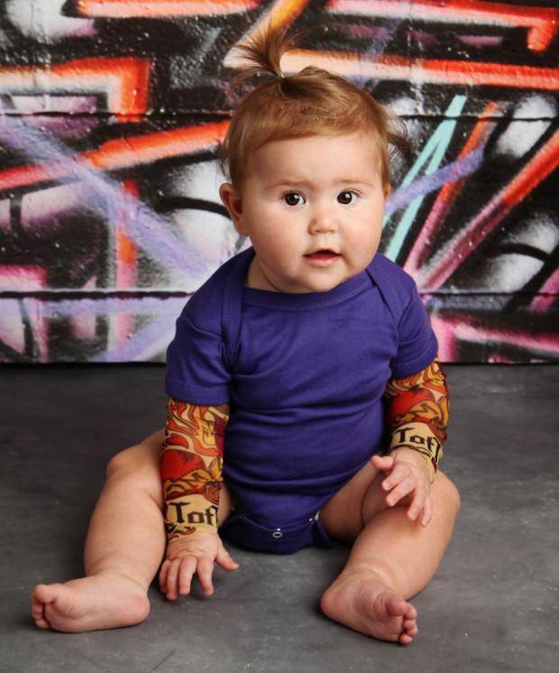Во дает: многодетная мамочка создает невероятные татуировки для детей