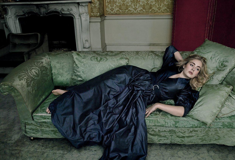 Мечта поэта: восхитительная Адель в фотосессии для мартовского Vogue