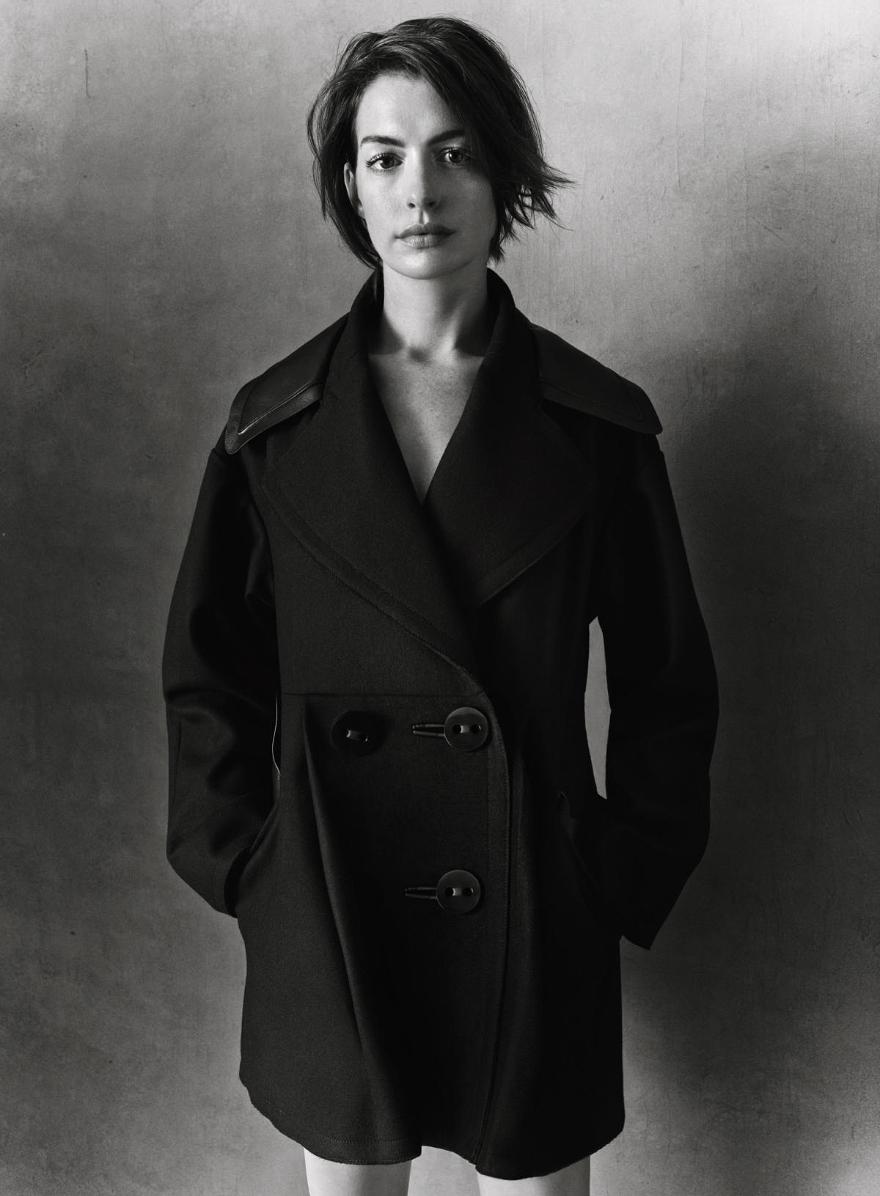 Такая как есть: Энн Хэтэуэй в потрясающе стильных образах для InStyle