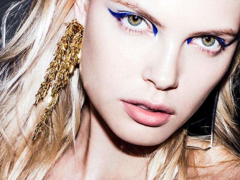 5 свежих идей использования синих и голубых оттенков в макияже (ФОТО)