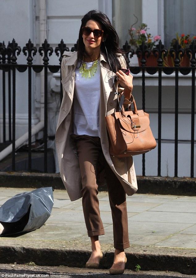 В честь жены Джорджа Клуни назвали роскошную сумку