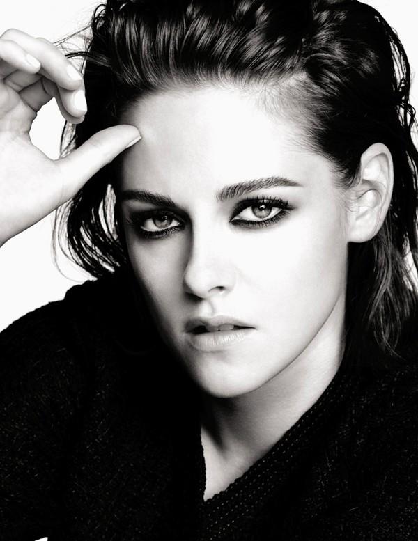 Кристен Стюарт представляет коллекцию для макияжа глаз Chanel фото 2016