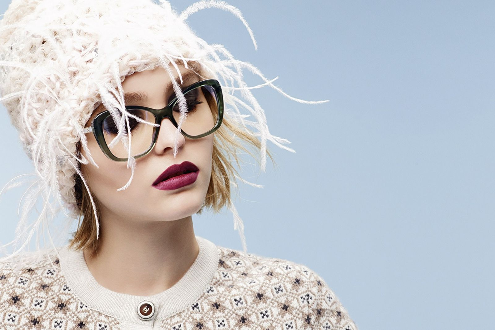 Лили-Роуз Депп в рекламе очков Chanel фото