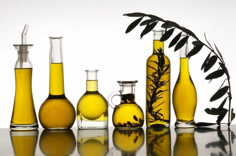 Оливковое масло: чем полезно для кожи и почему?