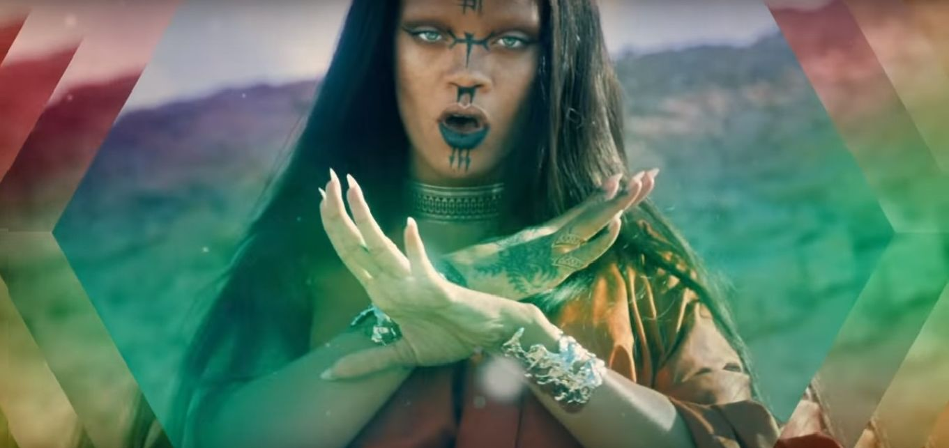 Рианна удивила новым образом в клипе Sledgehammer видео