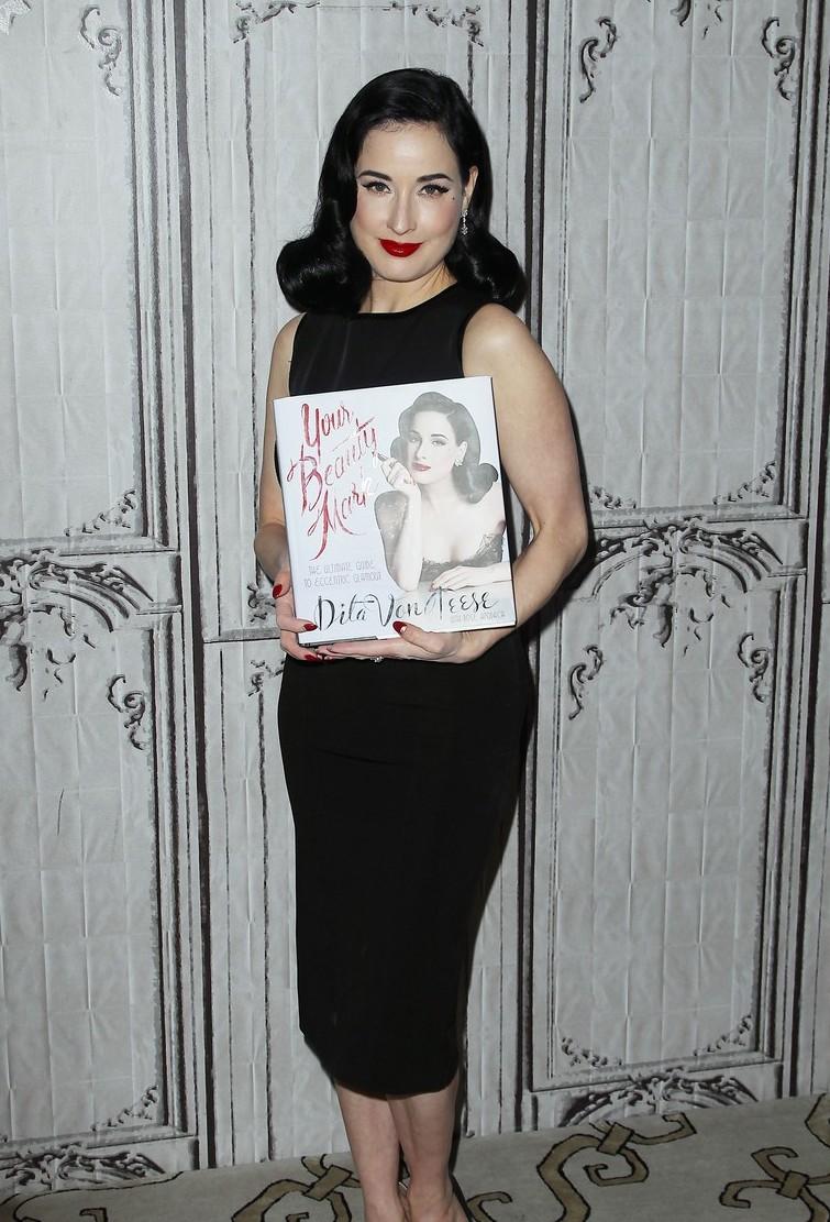 Бьюти-образ дня: Дита Фон Тиз на презентации собственной книги о красоте