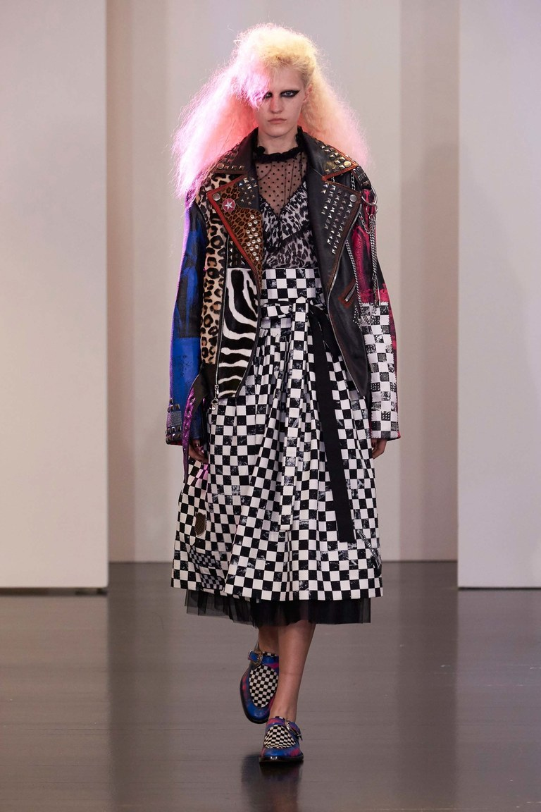 Жвачка, пейджер, MTV: показ новой коллекции Marc Jacobs Resort 2017
