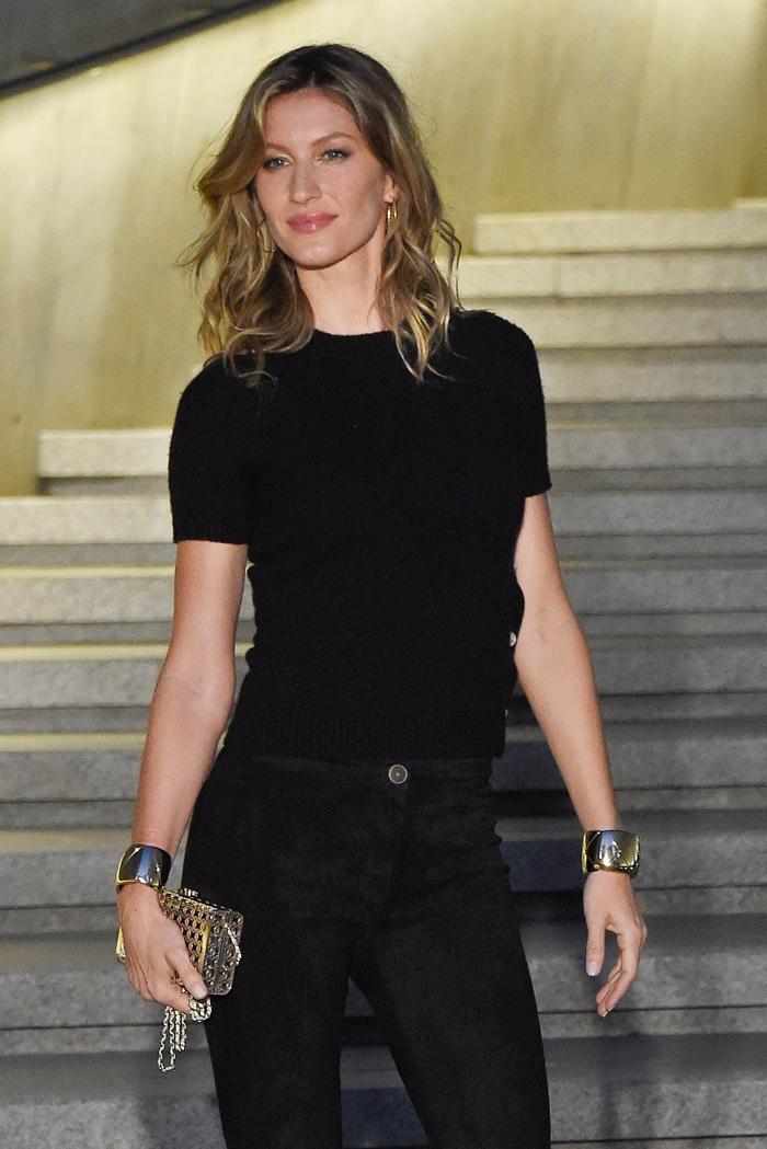 Жизель Бундхен и Кристен Стюарт блистают на показе Chanel