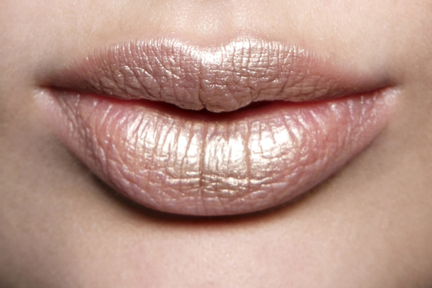 Beauty: лучшие способы использовать золотой металлик в повседневной жизни