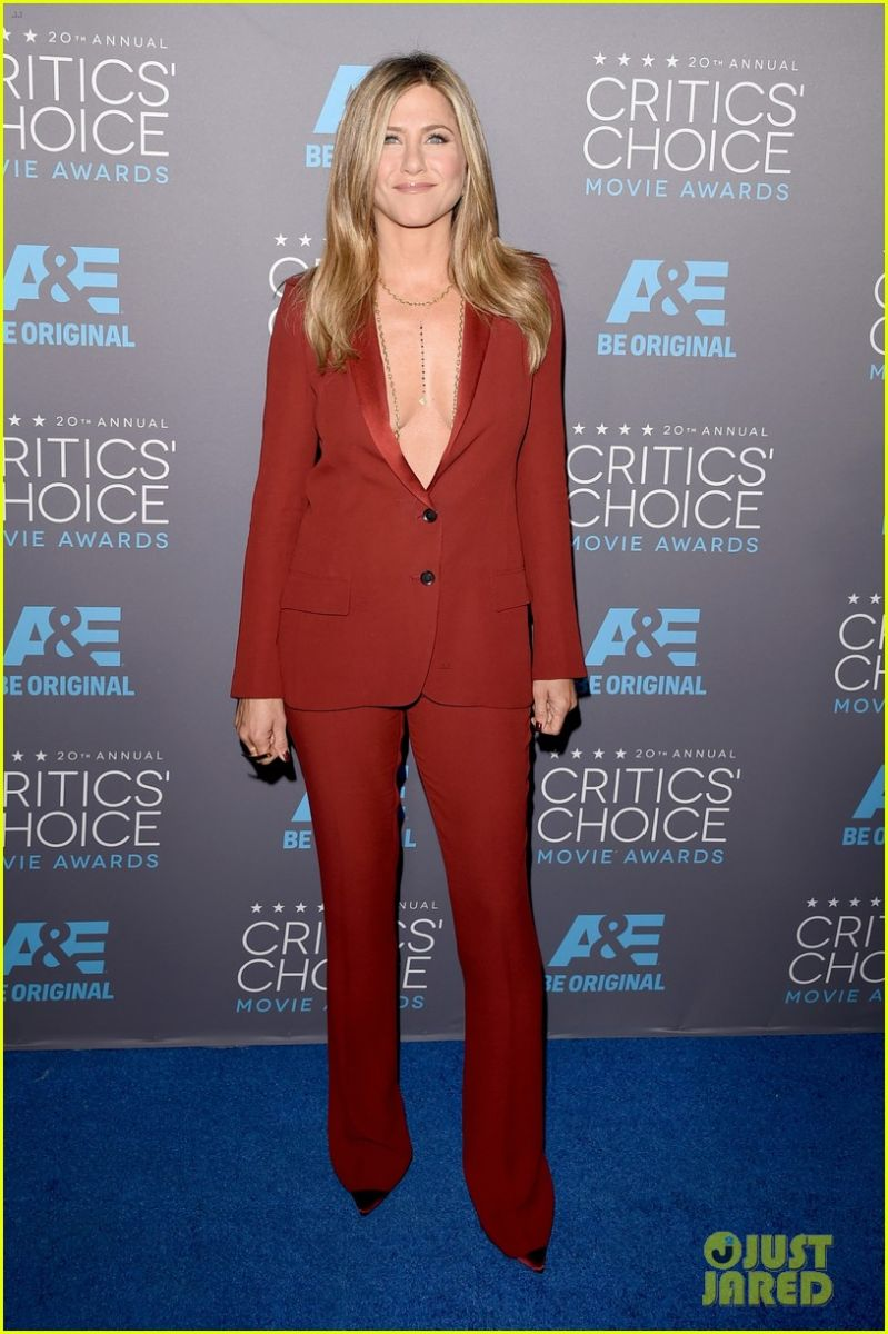 Битва нарядов: Анджелина Джоли против Дженнифер Энистон на Critics Choice Movie Awards 2015