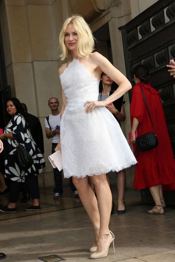 Фотофакт: Наоми Уоттс покорила безупречным нарядом от Armani